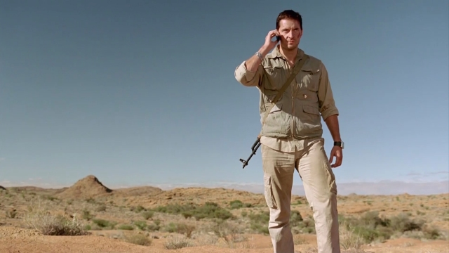 Richard Armitage as John Porter angry and on the phone
