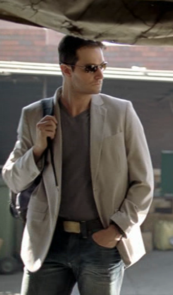 Richard Armitage as John Porter in sunglasses